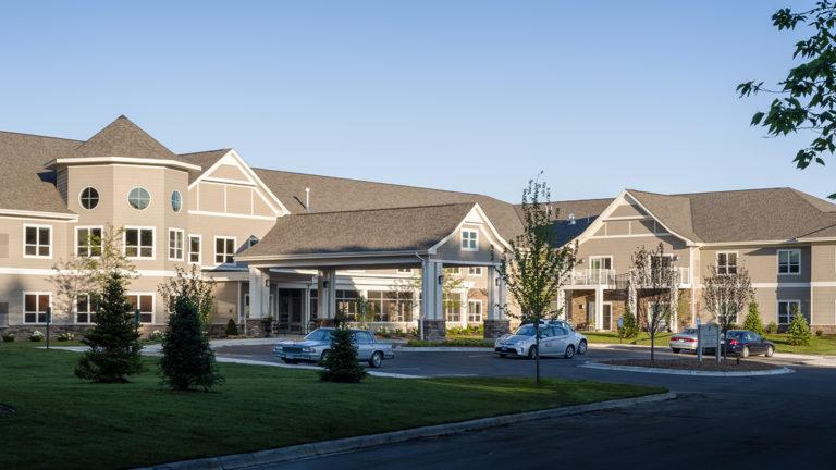 Deephaven Woods Senior Living Housing Exterior Entrance View