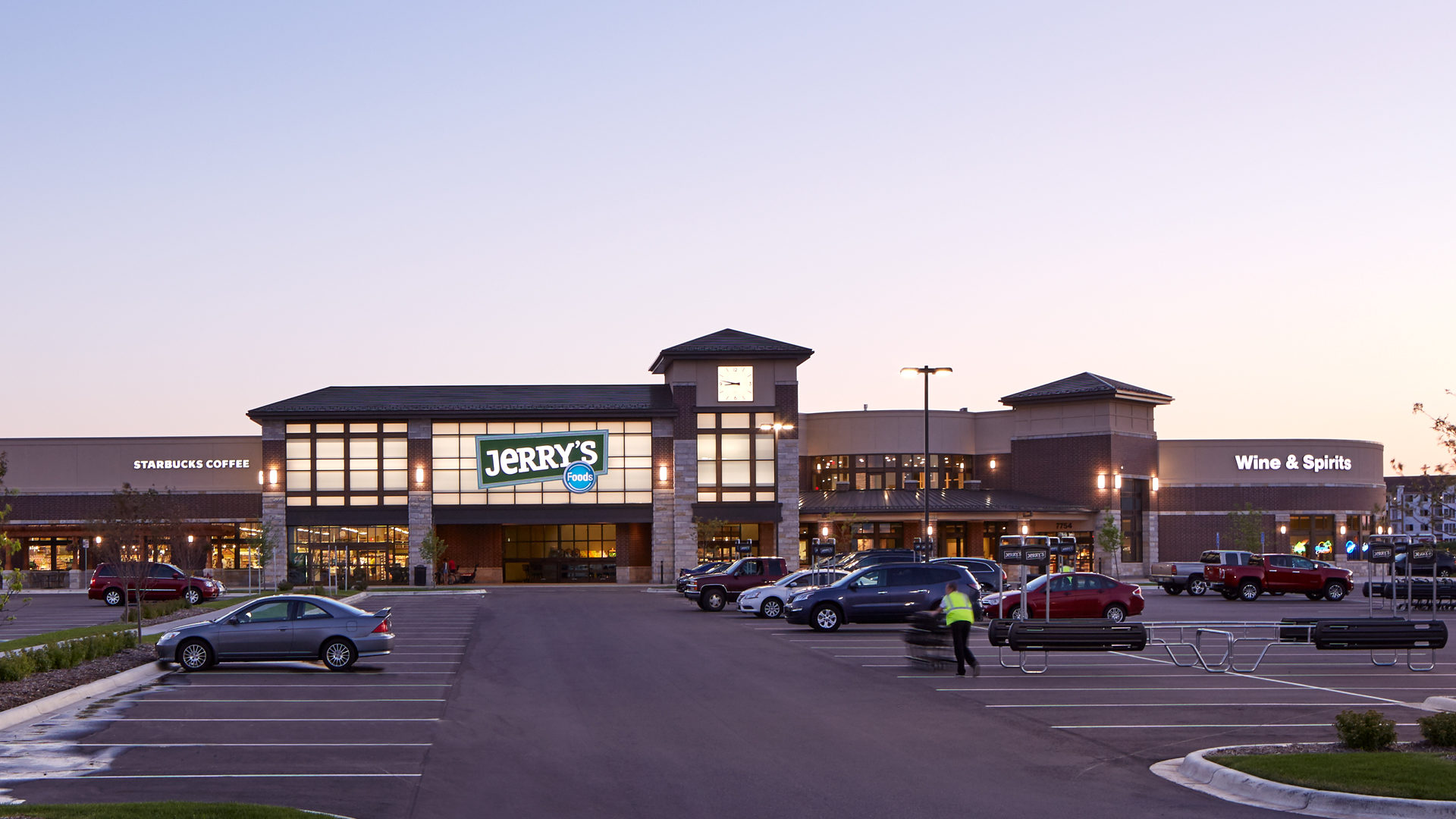 Jerrys Foods Grocery Store Woodbury Dawn Exterior