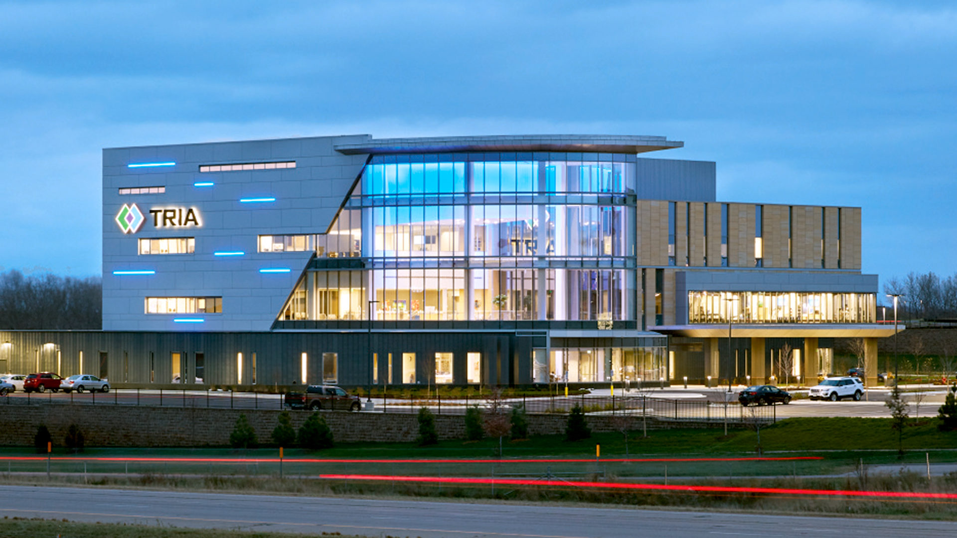 TRIA Orthopedic Center CityPlace Woodbury MN Healthcare Exterior Night Shot