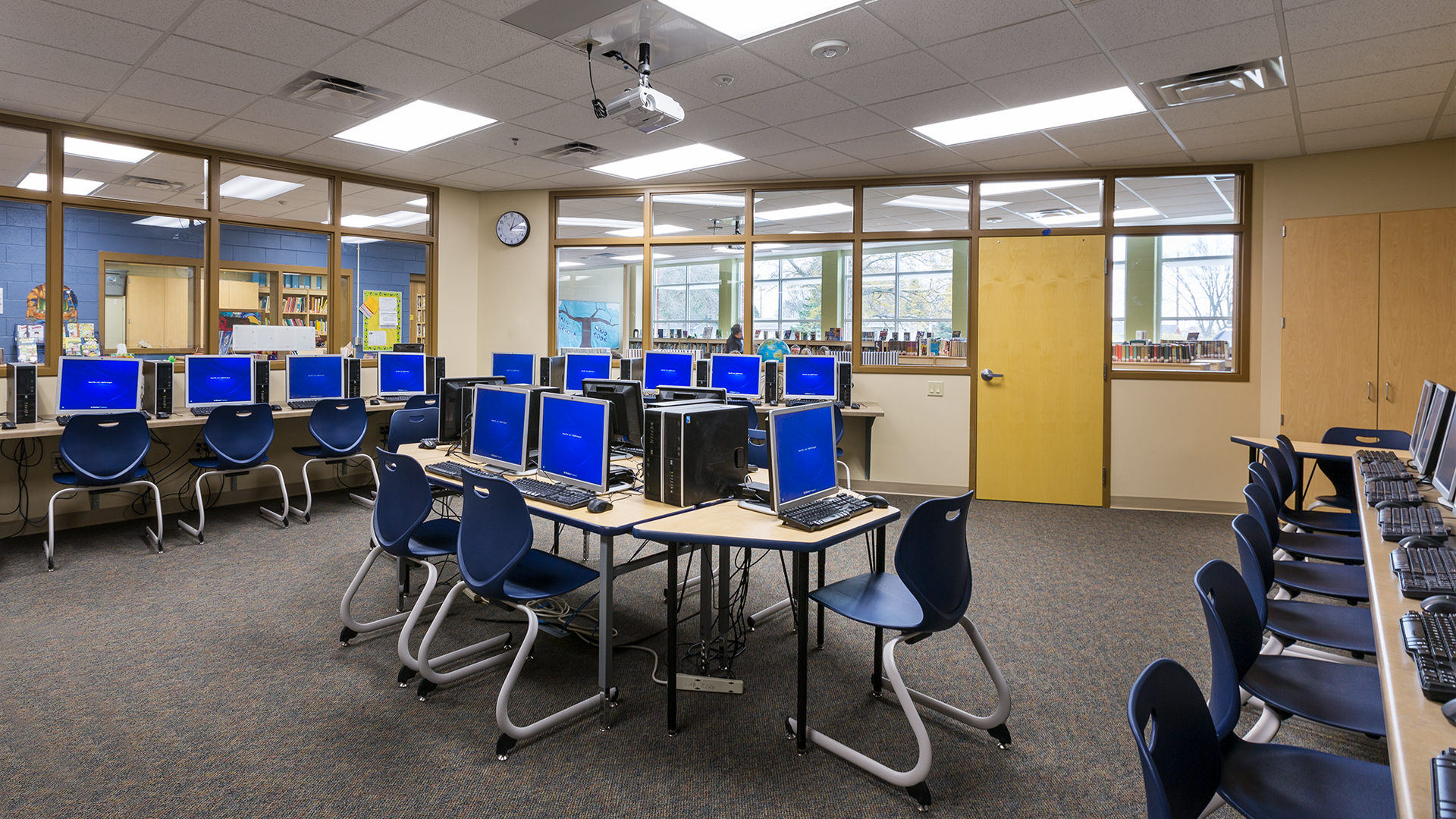 Clear Lake Elementary School Interior Computer Lab Held Inside the Library