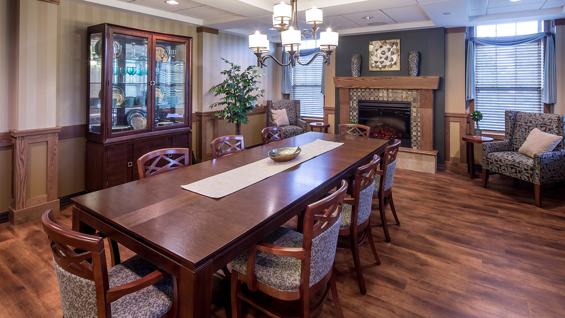 Ebenezer Arbors at Ridges Senior Assisted Living Interior Private Dining Room