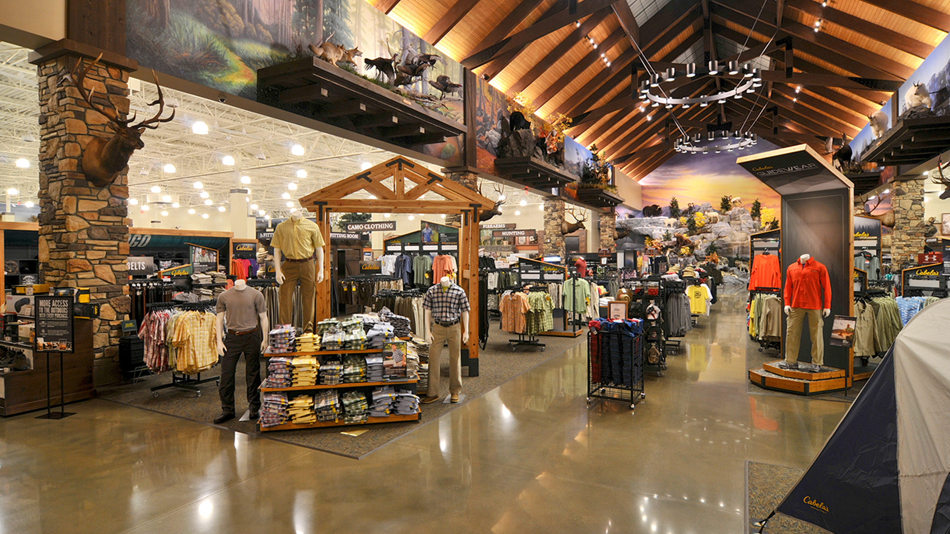 Cabelas Retail Center Sun Prairie WI Interior Mens Retail Area