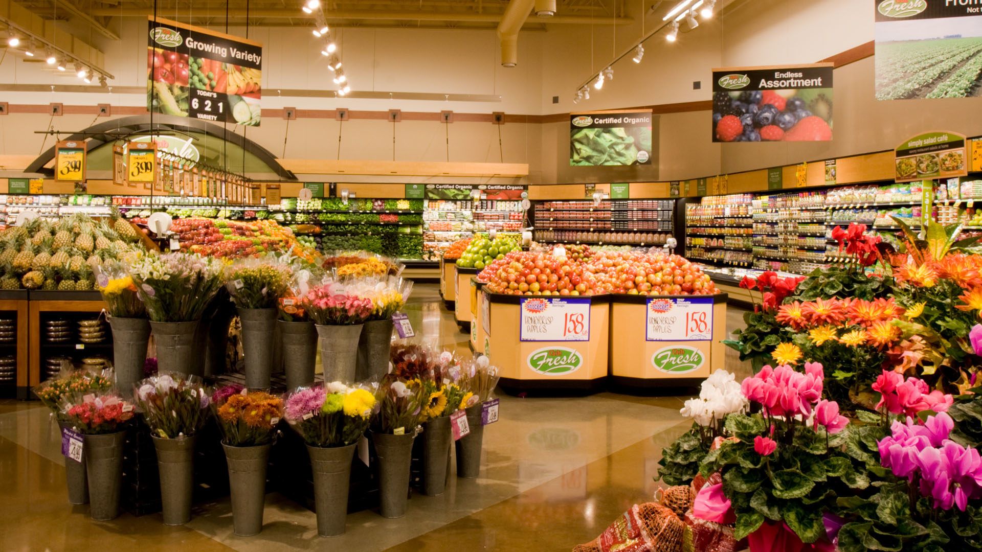 Cub Foods Phalen Grocery Store Interior Produce and Flowers