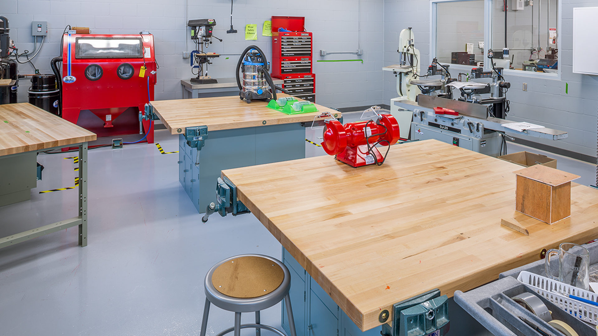 Erik Ramstad Middle School Interior Industrial Technology Class Room