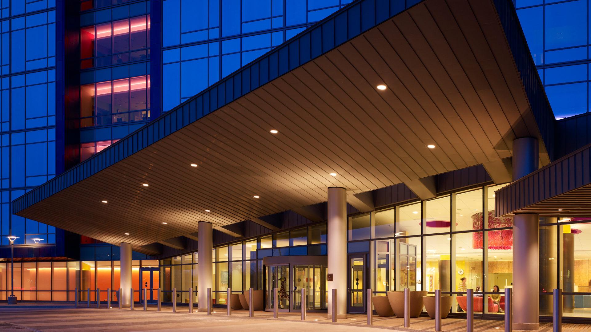 U of M Masonic Childrens Hospital Amplatz Exterior Close Up Entrance View