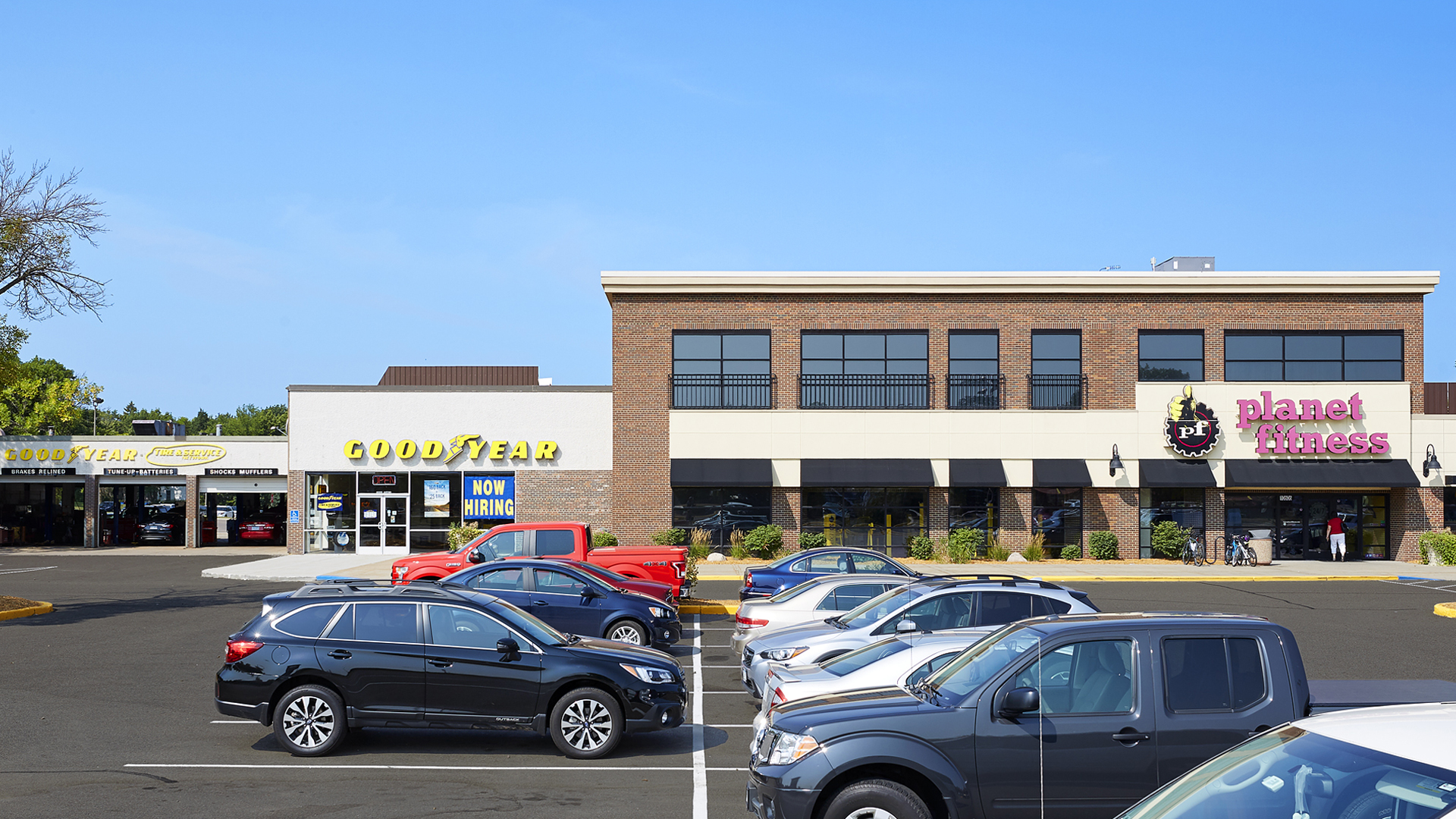 Valley West Shopping Retail Center Bloomington MN Tenants Good Year and Planet Fitness