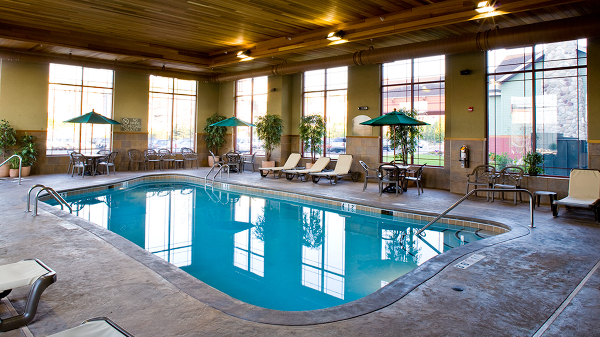 Canal Park Lodge Hotel Duluth Interior Pool