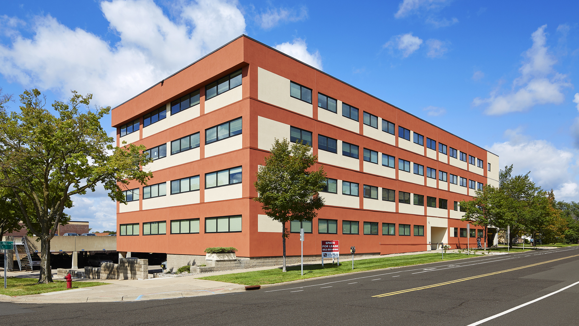 555 Park Office Building St Paul MN Exterior Full Front of Building View