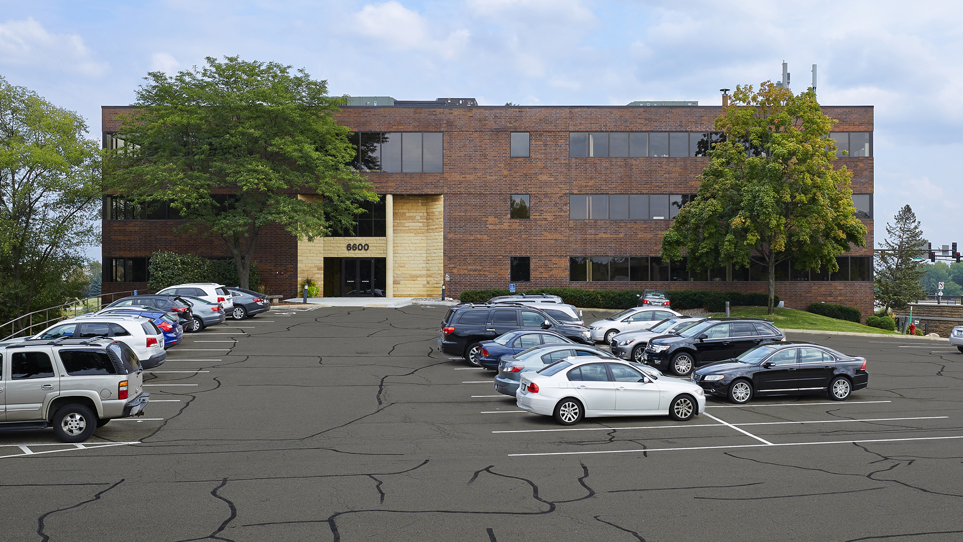 6600 Office Building Eden Prairie MN front of building and surface lot