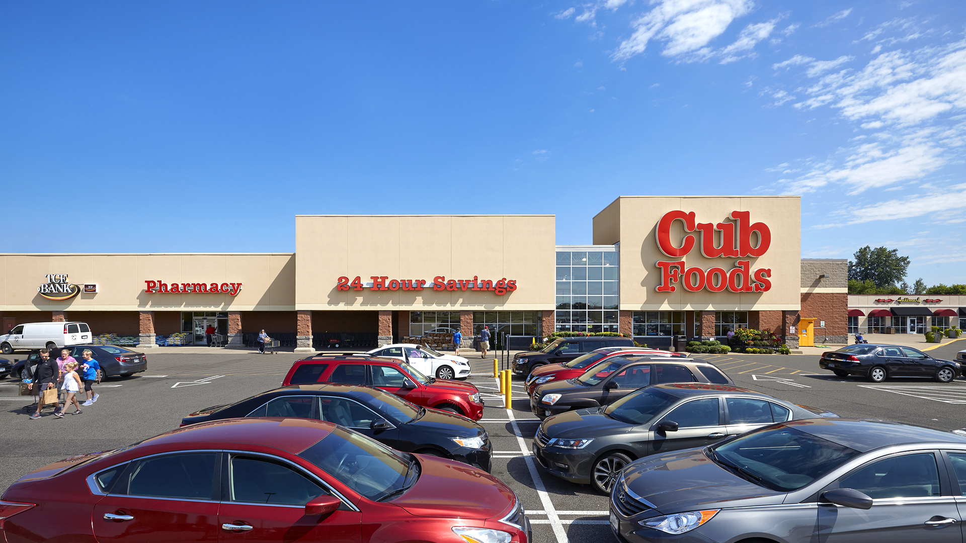 Blaine Town Shopping Center Blaine MN front exterior of anchor Cub Foods