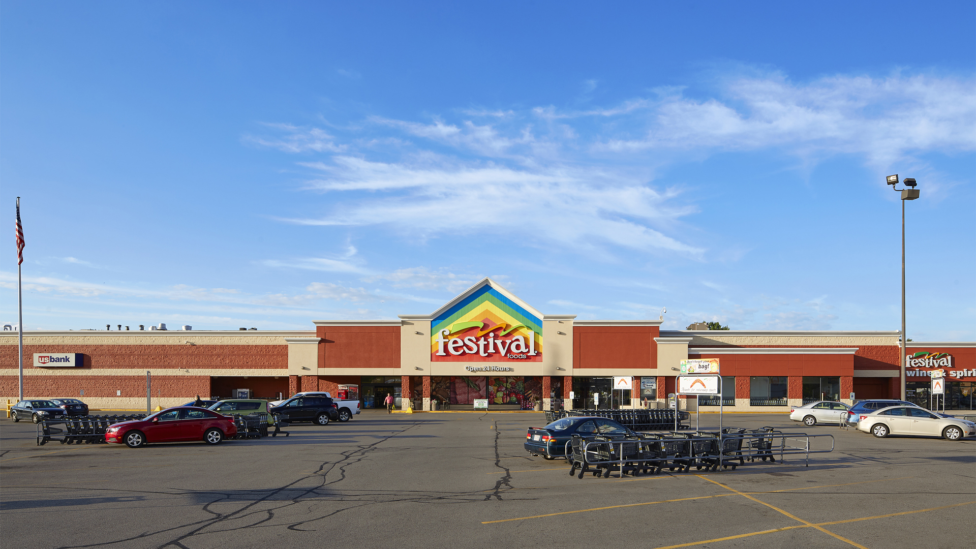 Crossing Meadows Retail Shopping Center Onalaska WI exterior view featuring Festival Foods