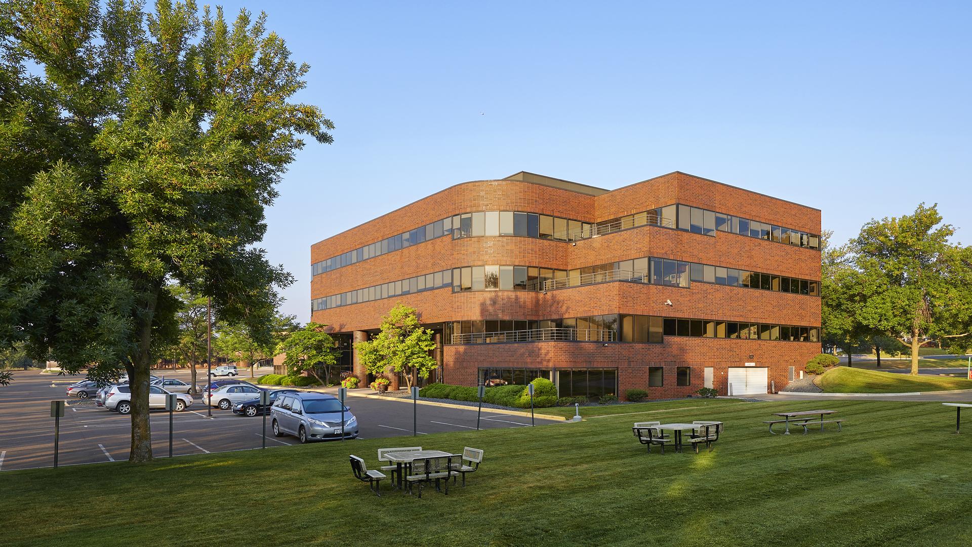 Primetech Office Center I Eden Prairie MN Office building exterior
