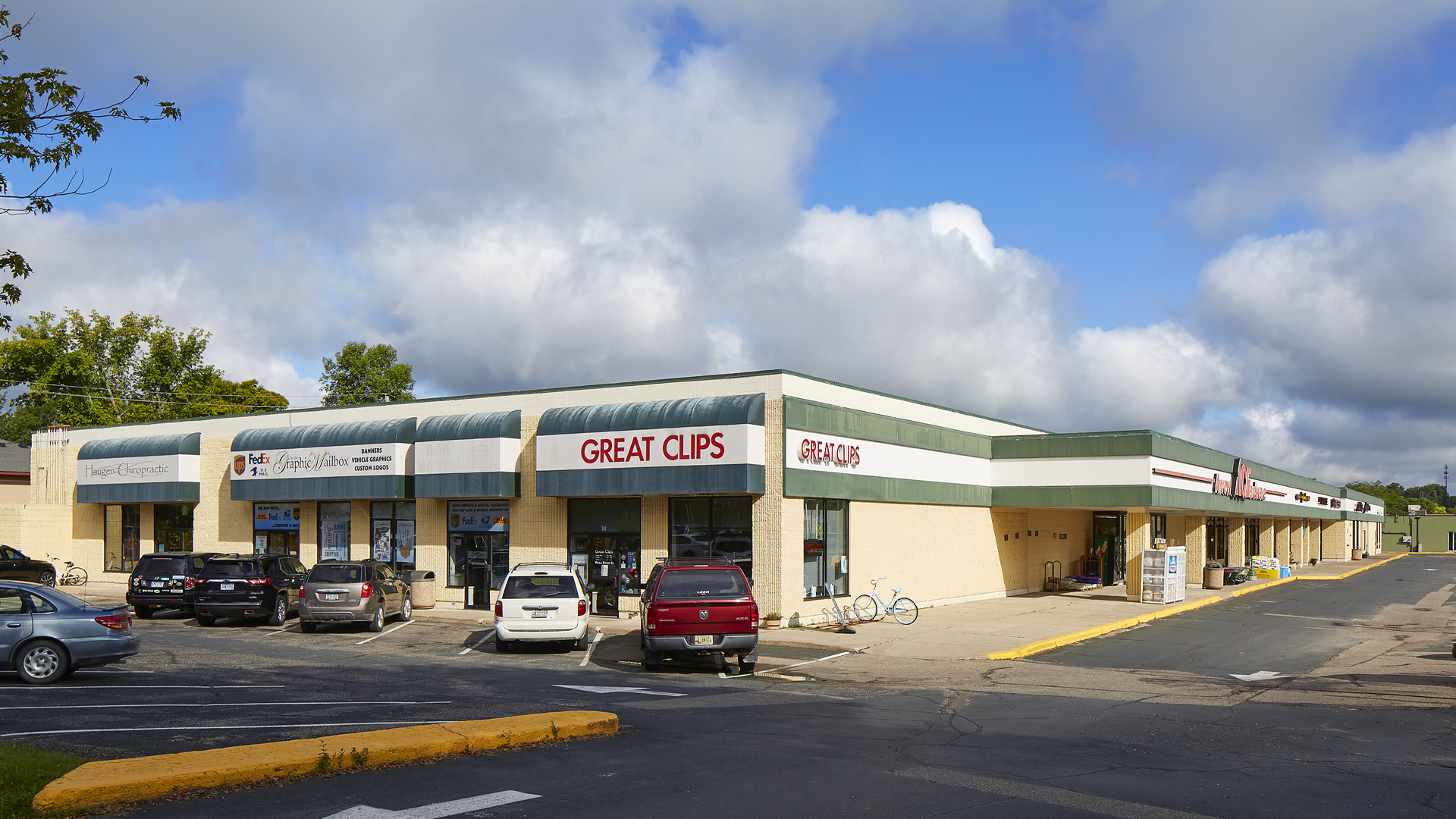 River Park Retail Strip Mall Northfield MN view featuring Great Clips