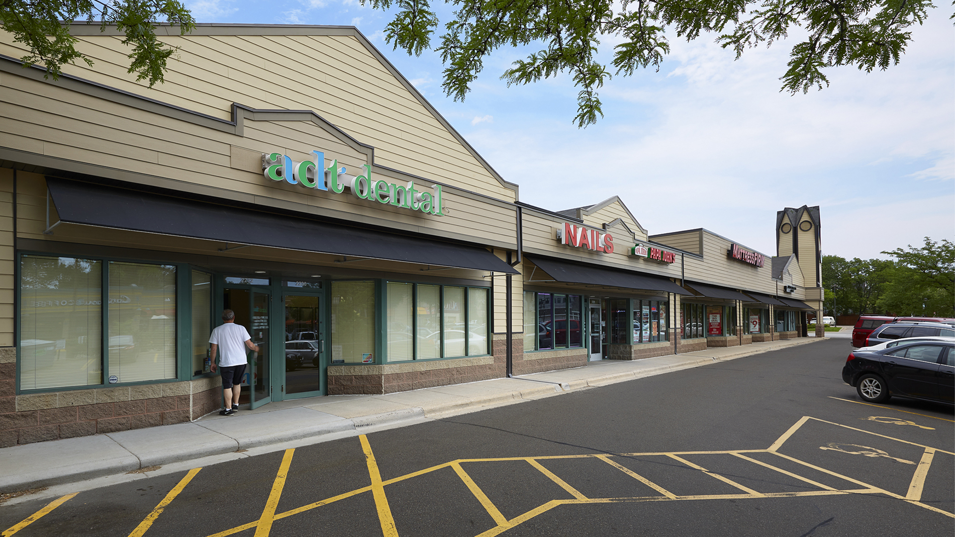 Kenwood Crossing Retail Shopping Center Minneapolis MN exterior view featuring ADT Dental