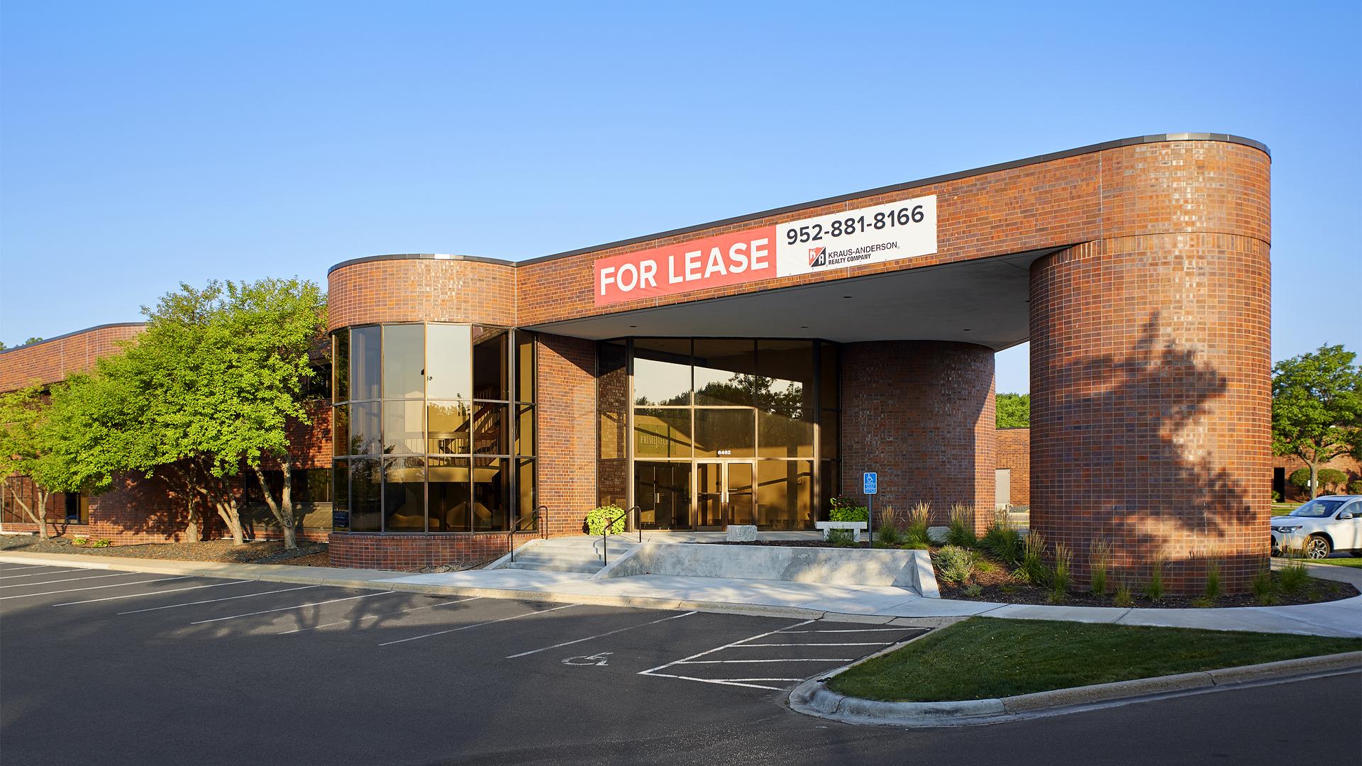 Primetech Office Center III Eden Prairie MN Office building Exterior entrance