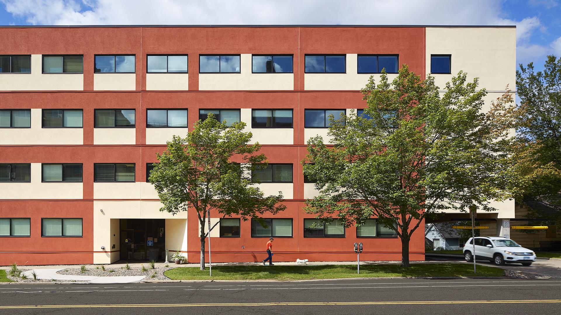 555 Park Office Building St Paul MN Exterior Entrance View