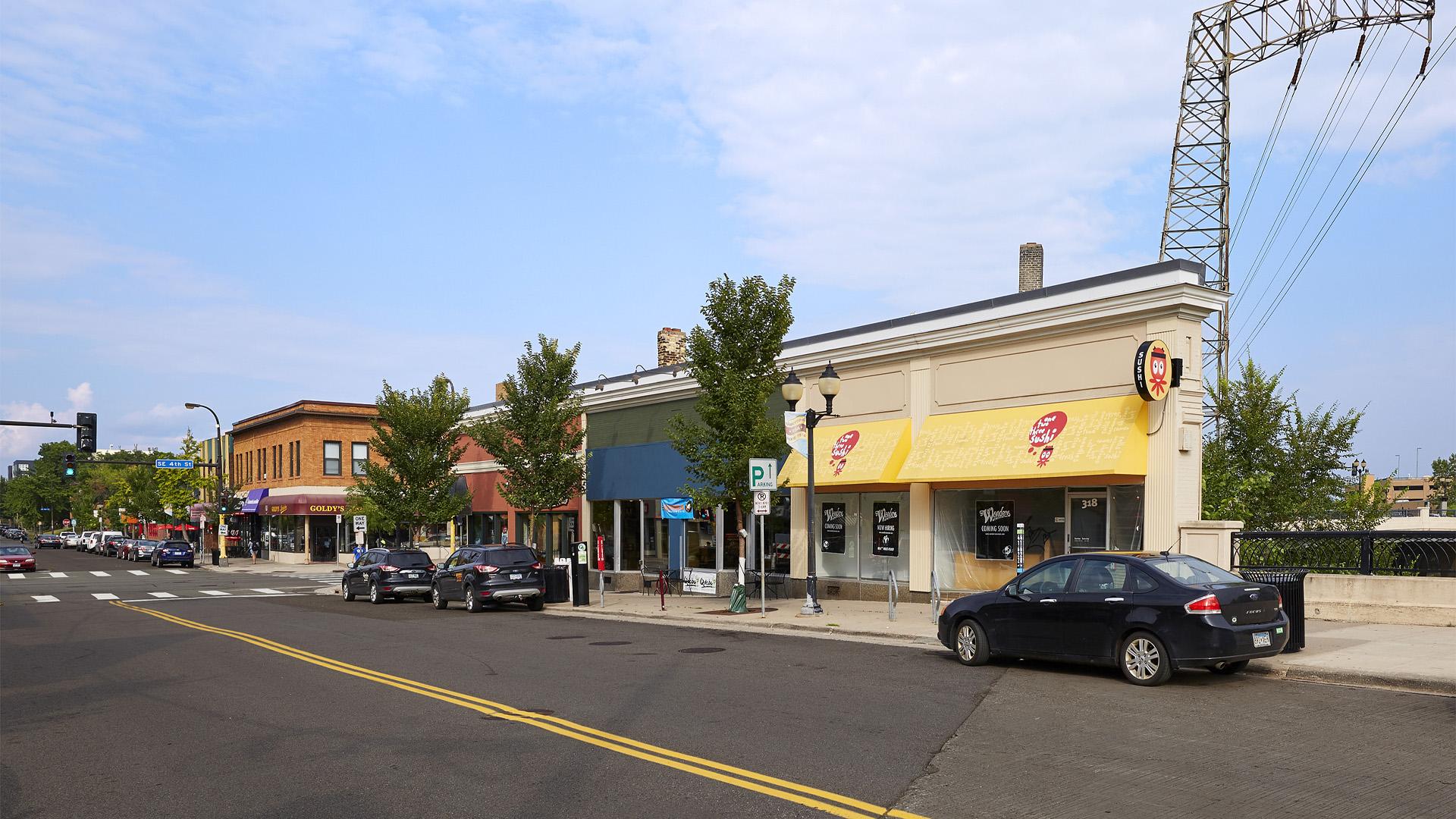 Dinkytown Retail Shopping Center Minneapolis exterior full center view