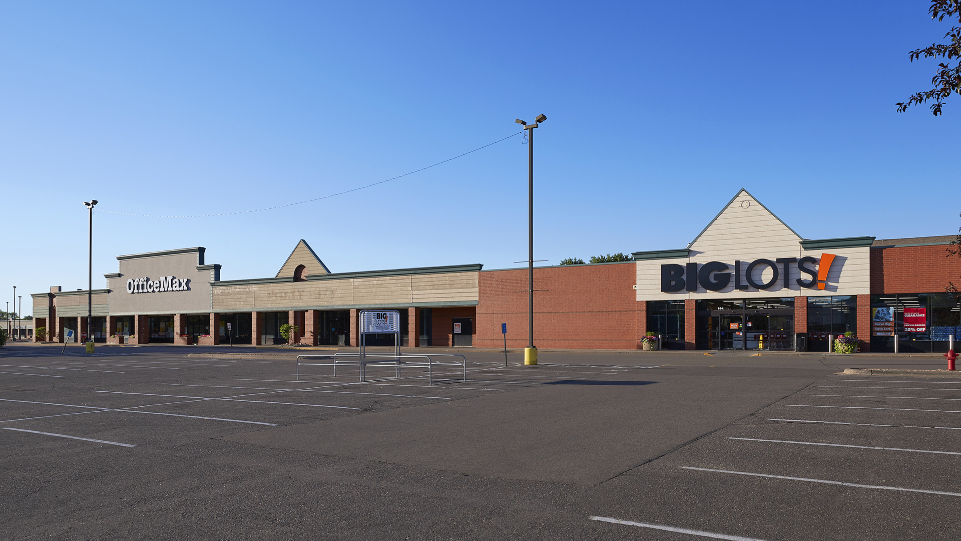 Northcourt Commons Retail Shopping Center Blaine MN exterior view featuring Office Max and Big Lots