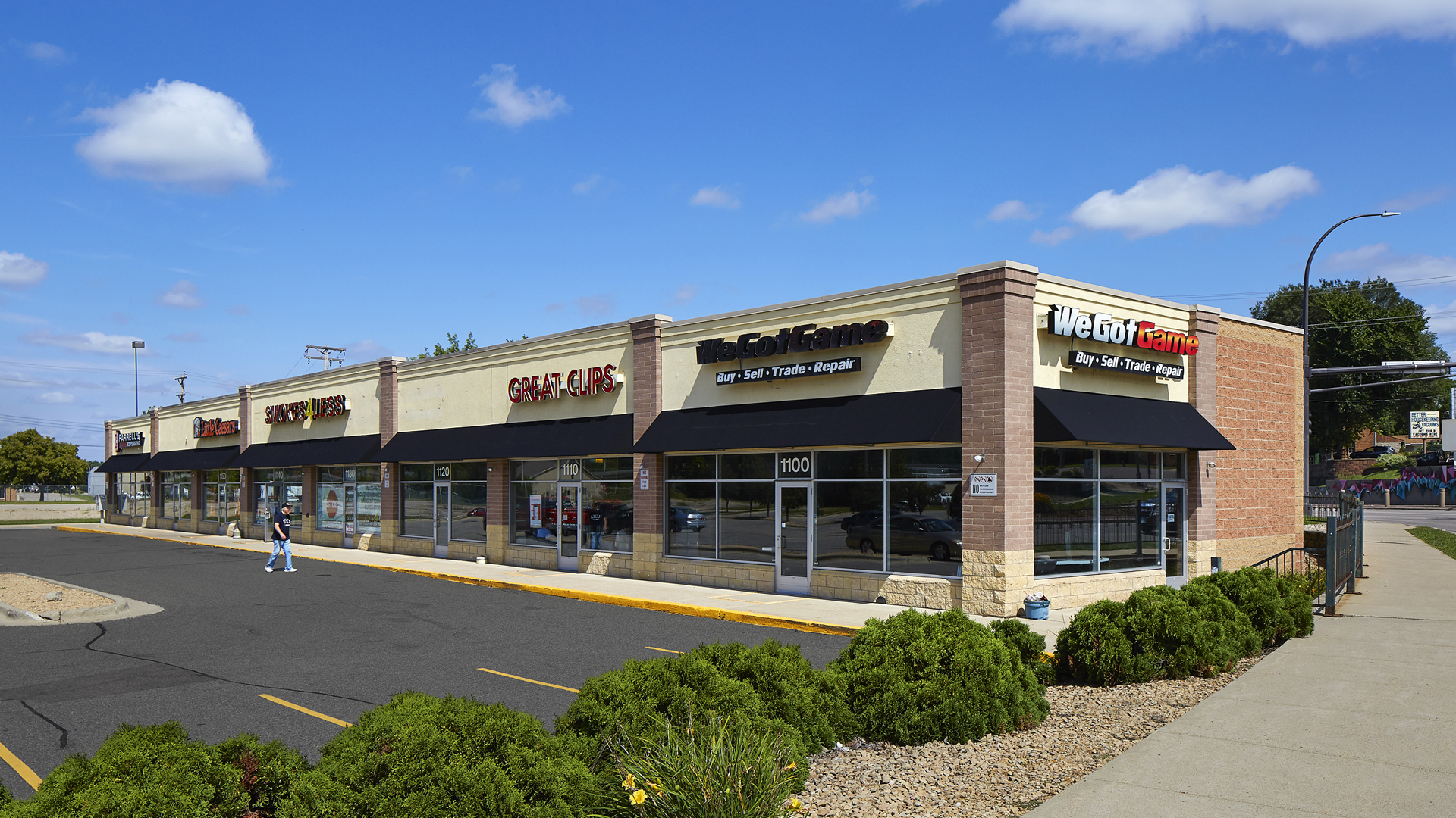 Riverfront Retail Shopping Center Mankato MN Strip featuring We Got Game