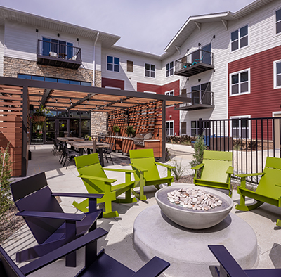 Outdoor gathering area, Chamberlain Apartments NAIOP Award